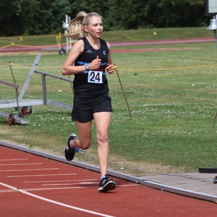 Jenny Tomei runner